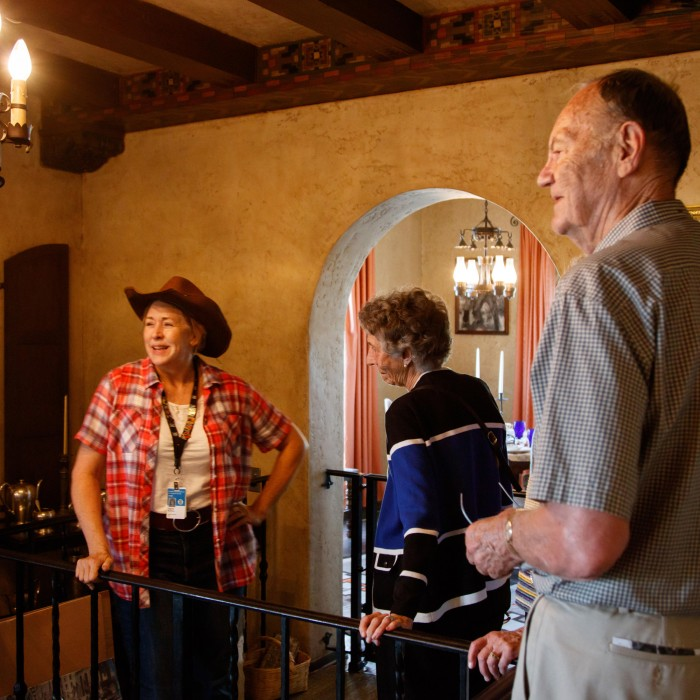volunteer giving a tour at the hart museum