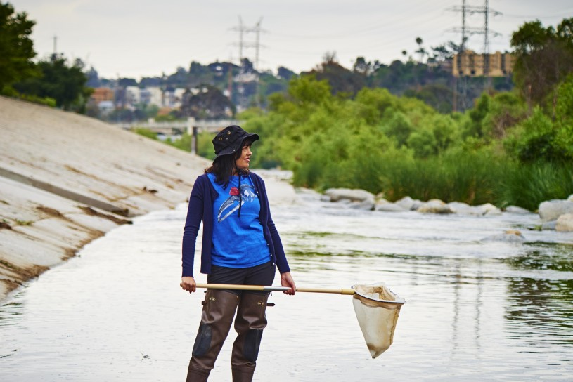 Lisa Gonzalez studying insects at the L.A. River