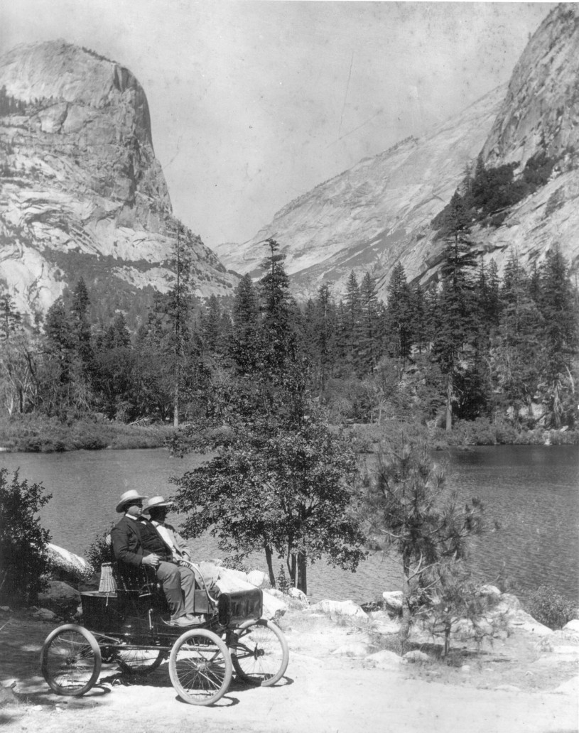 Locomobile Mirror Lake