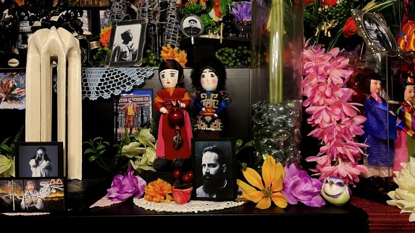 Armenian dolls in ofrenda